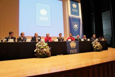 ceremonia graduacion isde mesa presidencial 0