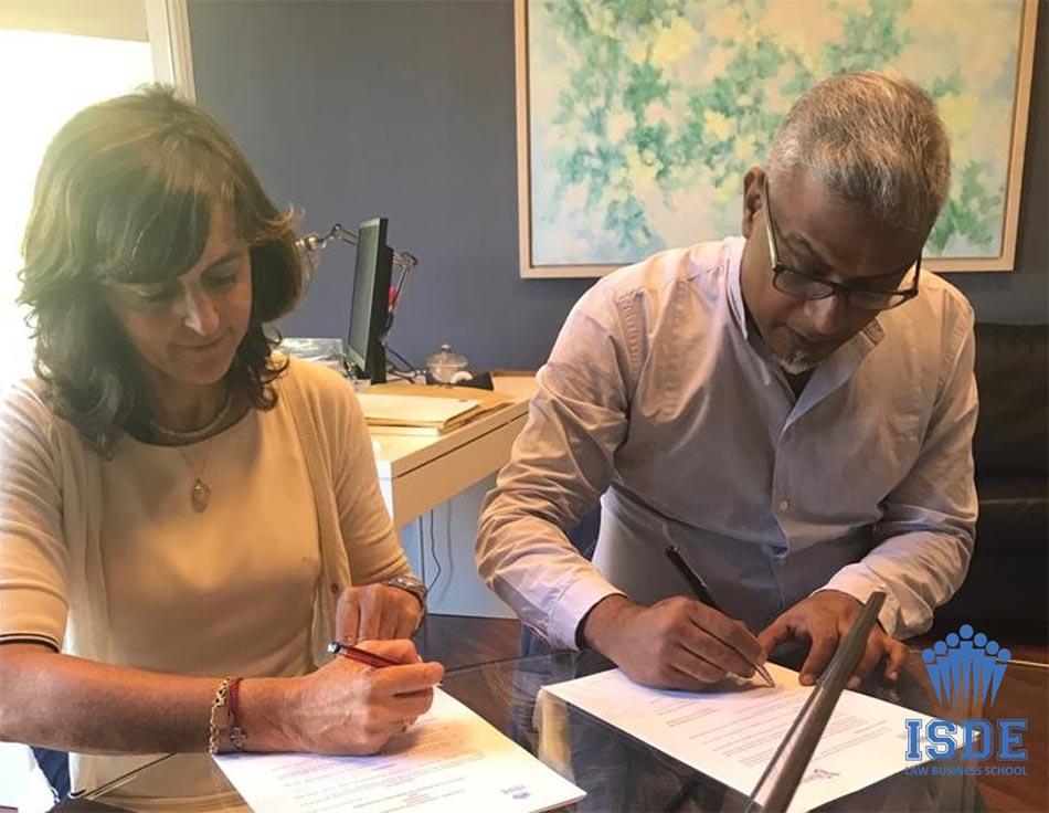 Firma del acuerdo de colaboración de ISDE Barcelona con Yohannan Institution.